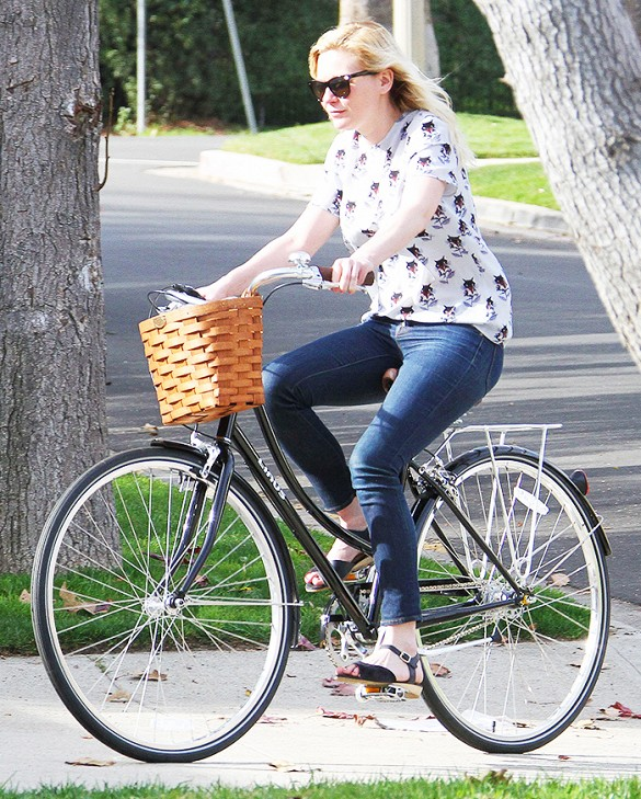 Bike In Style - Kirsten Dunst