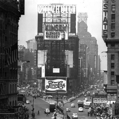 vintage-nyc-1952-times-square