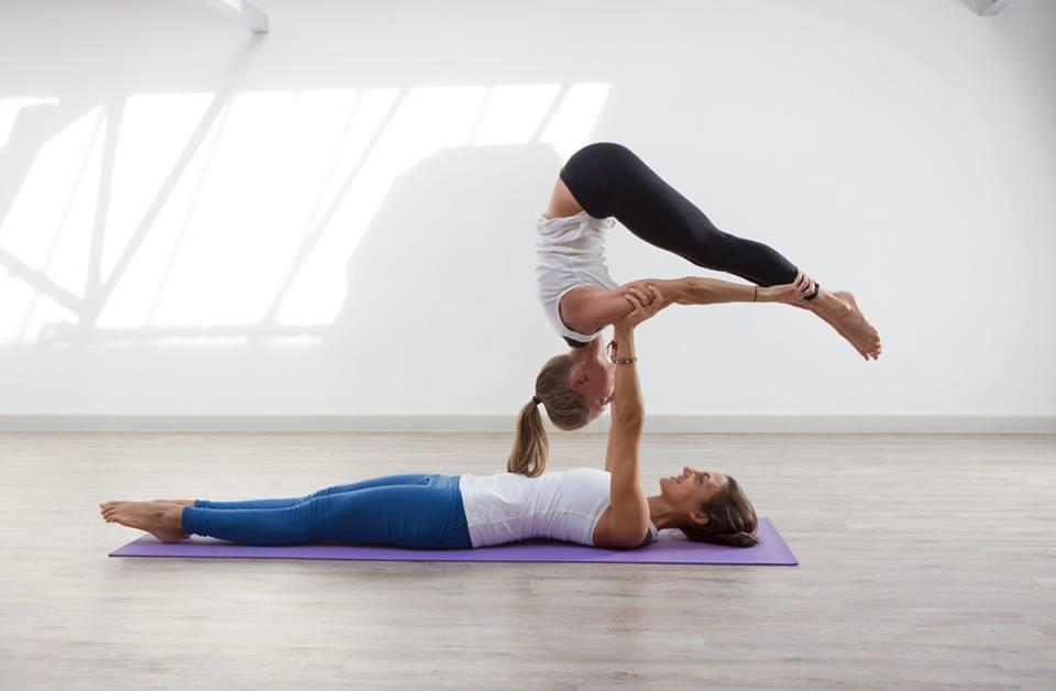 acro-yoga-5