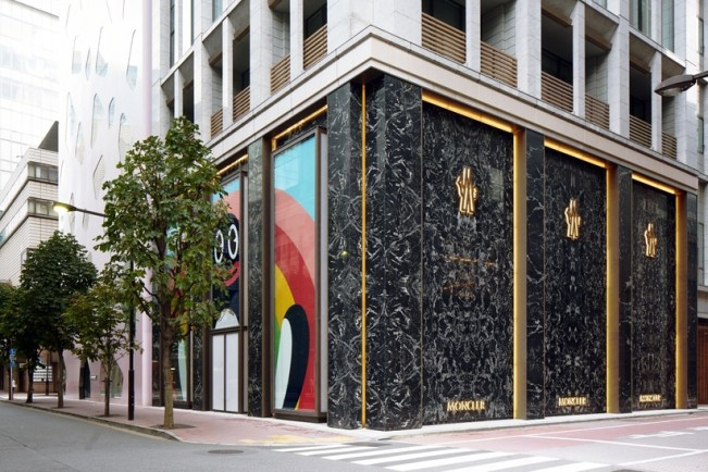 Moncler-Ginza-Boutique_PreOpening-1-thumb-822xauto-39147