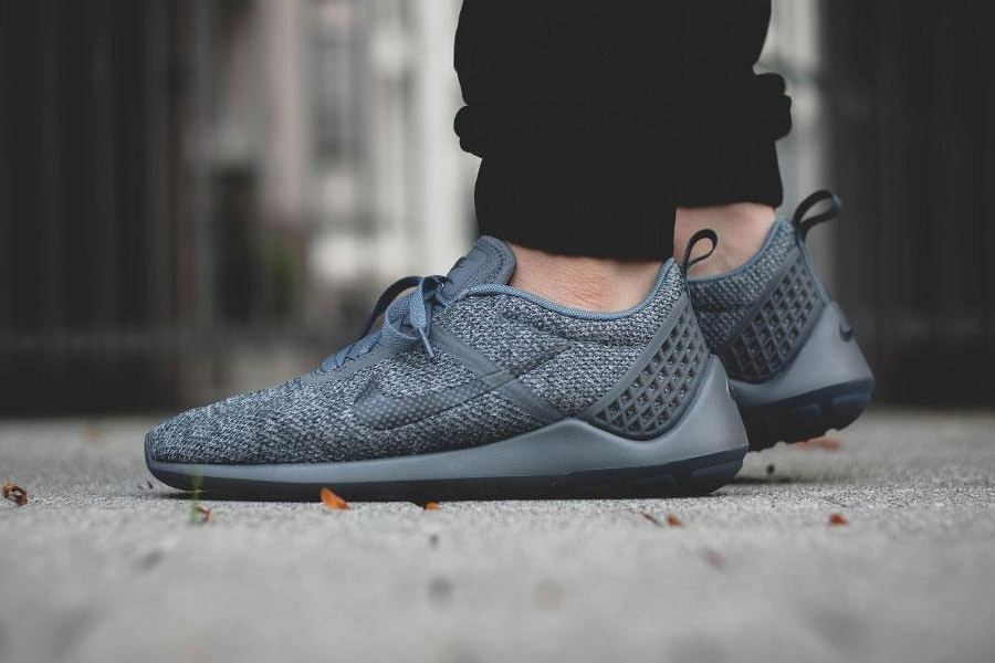 nike-lunarestoa-2-se-cool-grey-01