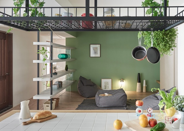adds-wooden-slide-and-swings-to-family-home-14