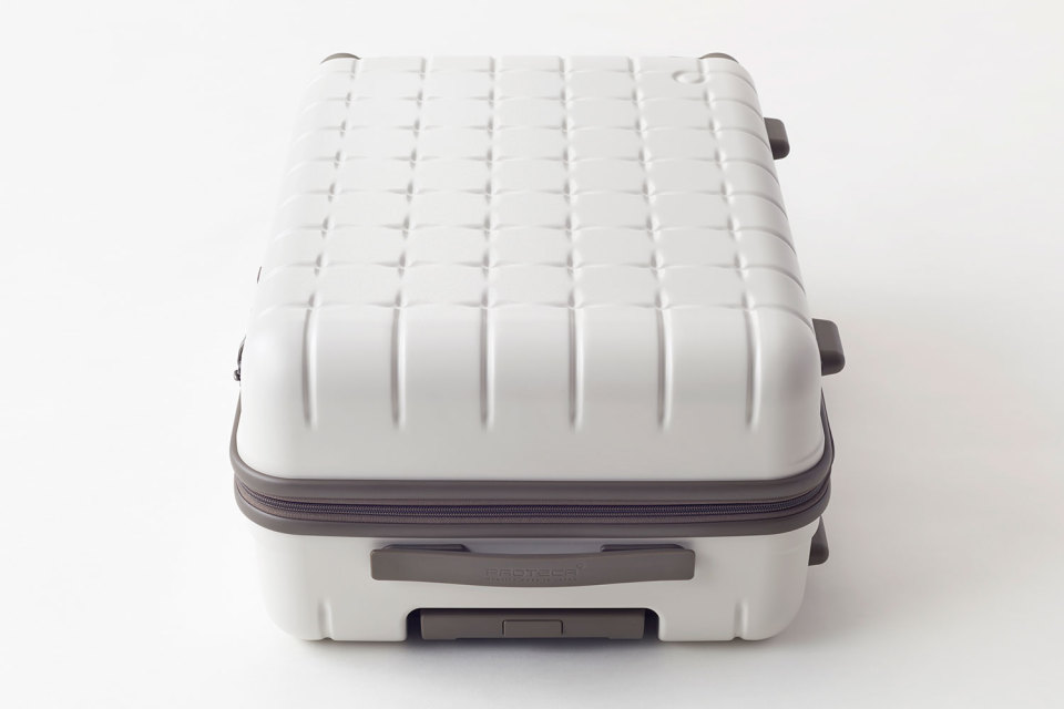 Nendo-Proteca-Suitcase-Collection-08-960x640