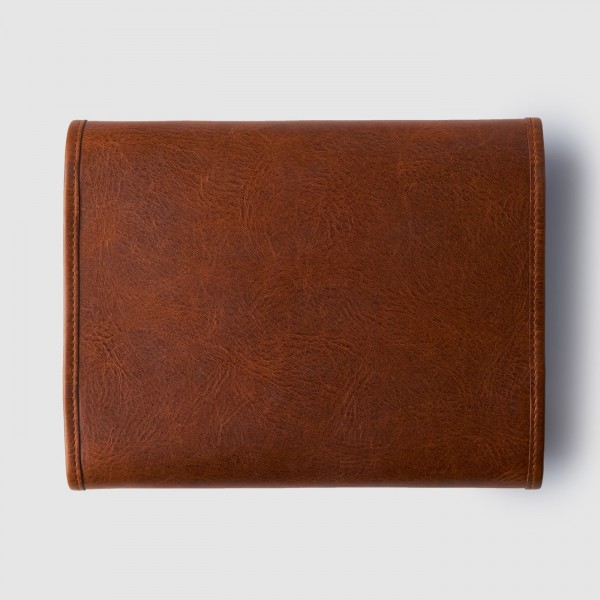 octovo-the-dopp-kit-brown-leather-travel-accessory-back