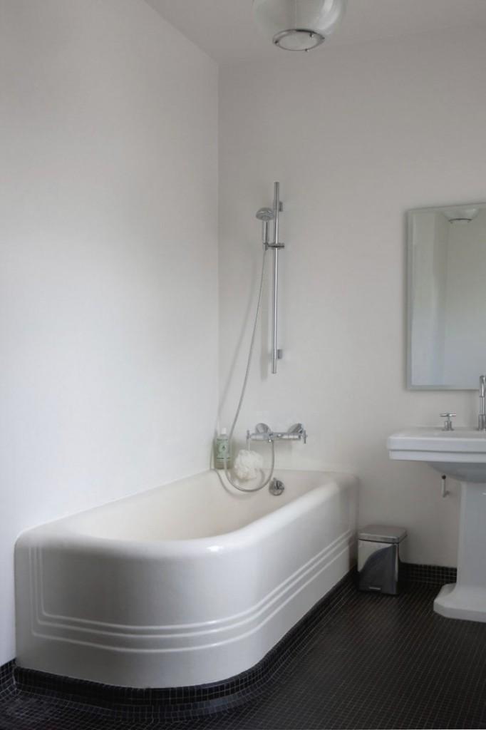 jacky-parker-paris-apartment-remodelista-15-733x1100