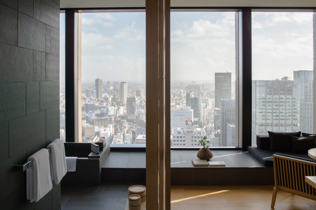 large_aman-tokyo-guest-room-1