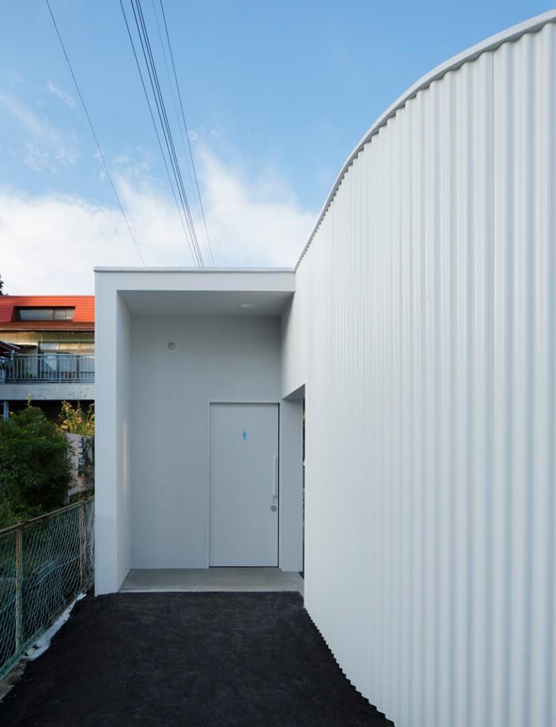 kubo-tsushima-architects-isemachi-public-toilet-japan-designboom-07