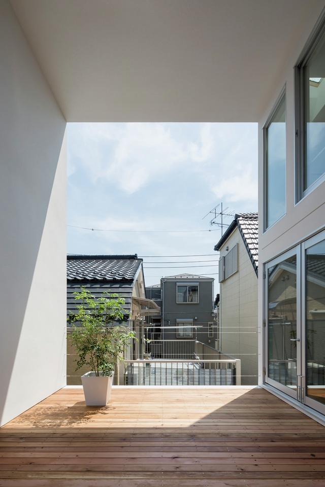 Little-House-Big-Terrace-14