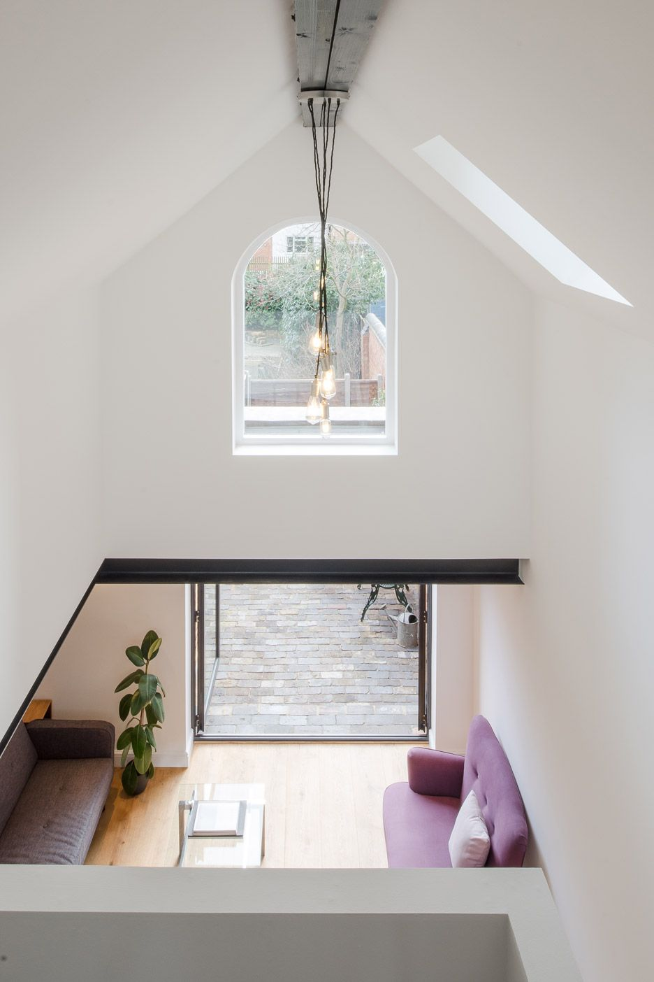 writers-coach-house-intervention-architecture-studio-renovation-moseley-birmingham-england_dezeen_936_7