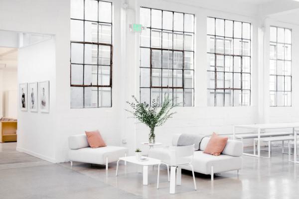 Everlane_Headquarters_Showroom-10-600x400