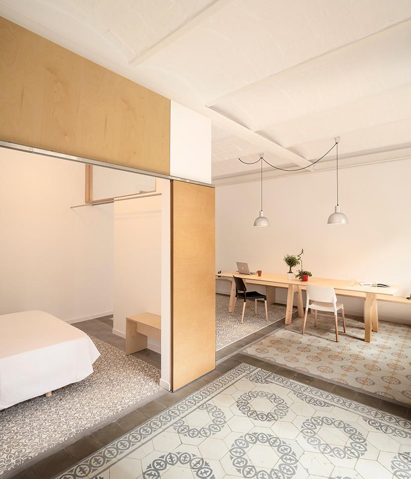 adrian-elizalde-apartment-renovation-eixample-barcelona-designboom-04