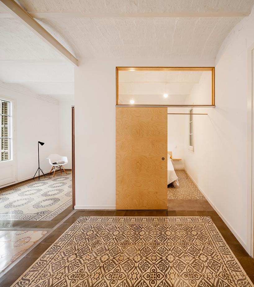 adrian-elizalde-apartment-renovation-eixample-barcelona-designboom-07