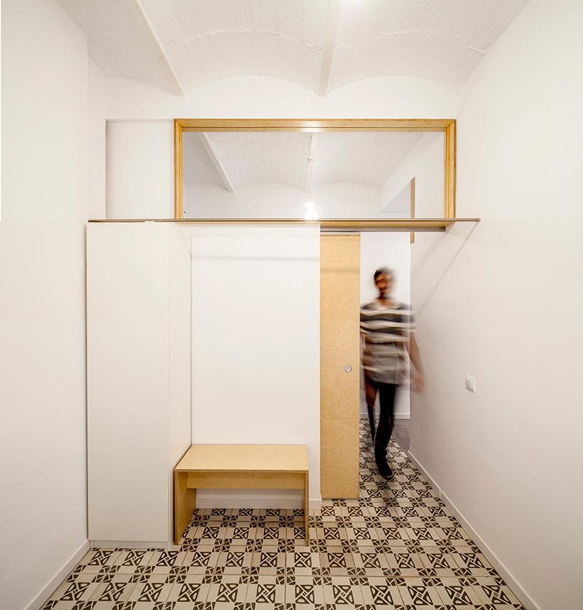 adrian-elizalde-apartment-renovation-eixample-barcelona-designboom-10