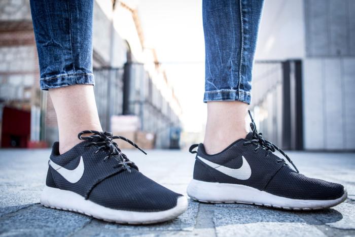 street-style-sneakers-nike-roshe-run