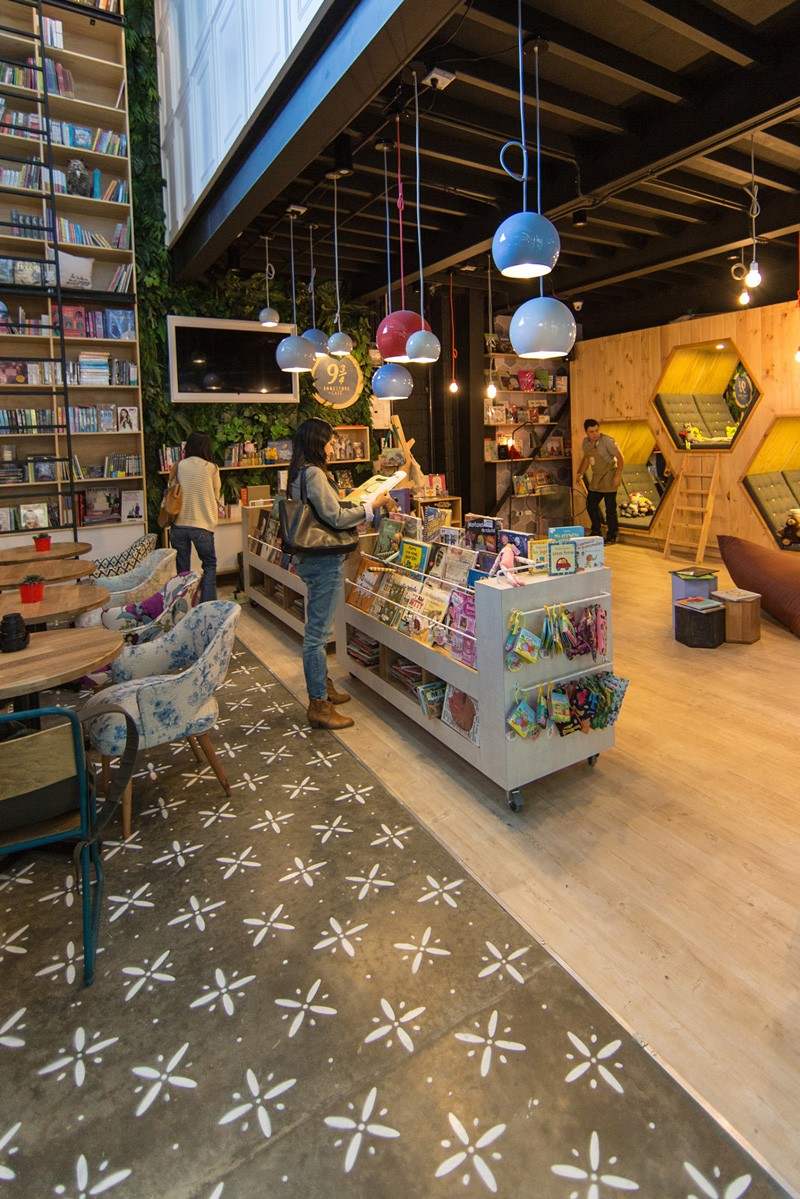 9-34-Bookstore-11