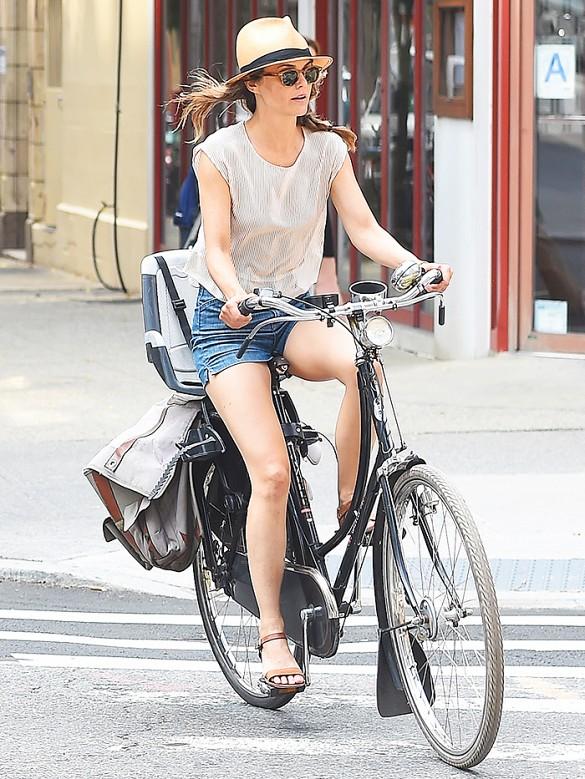 Bike In Style - Keri Russell