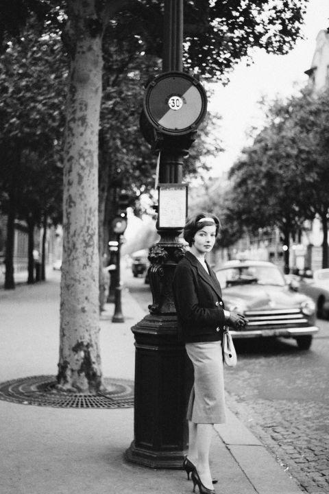 hbz-vintage-paris-street-style-1959-gettyimages-149308863_1