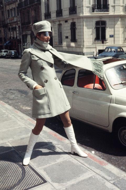 hbz-vintage-paris-street-style-1969-gettyimages-452478292_1