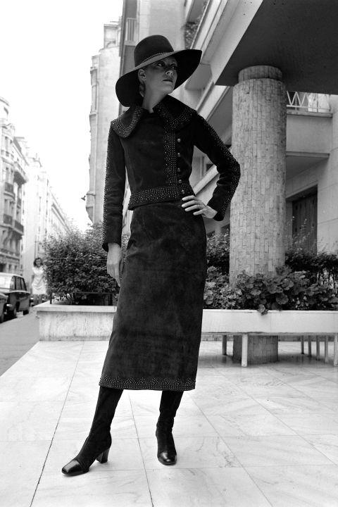 hbz-vintage-paris-street-style-1970-gettyimages-79664545_1