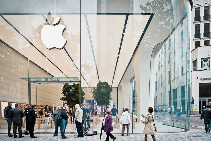jony-ive-apple-store-brussels-interiors-designboom-01-818x545