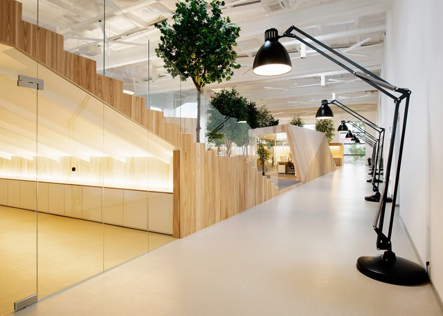 tree-filled-office-7