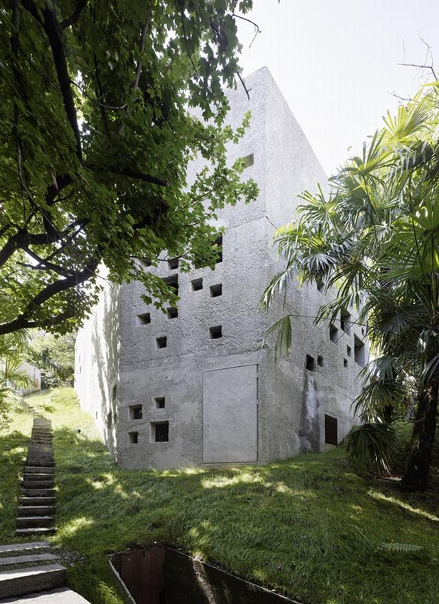 archaic-stone-block-1