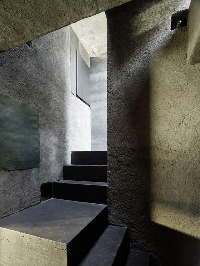 archaic-stone-block-15