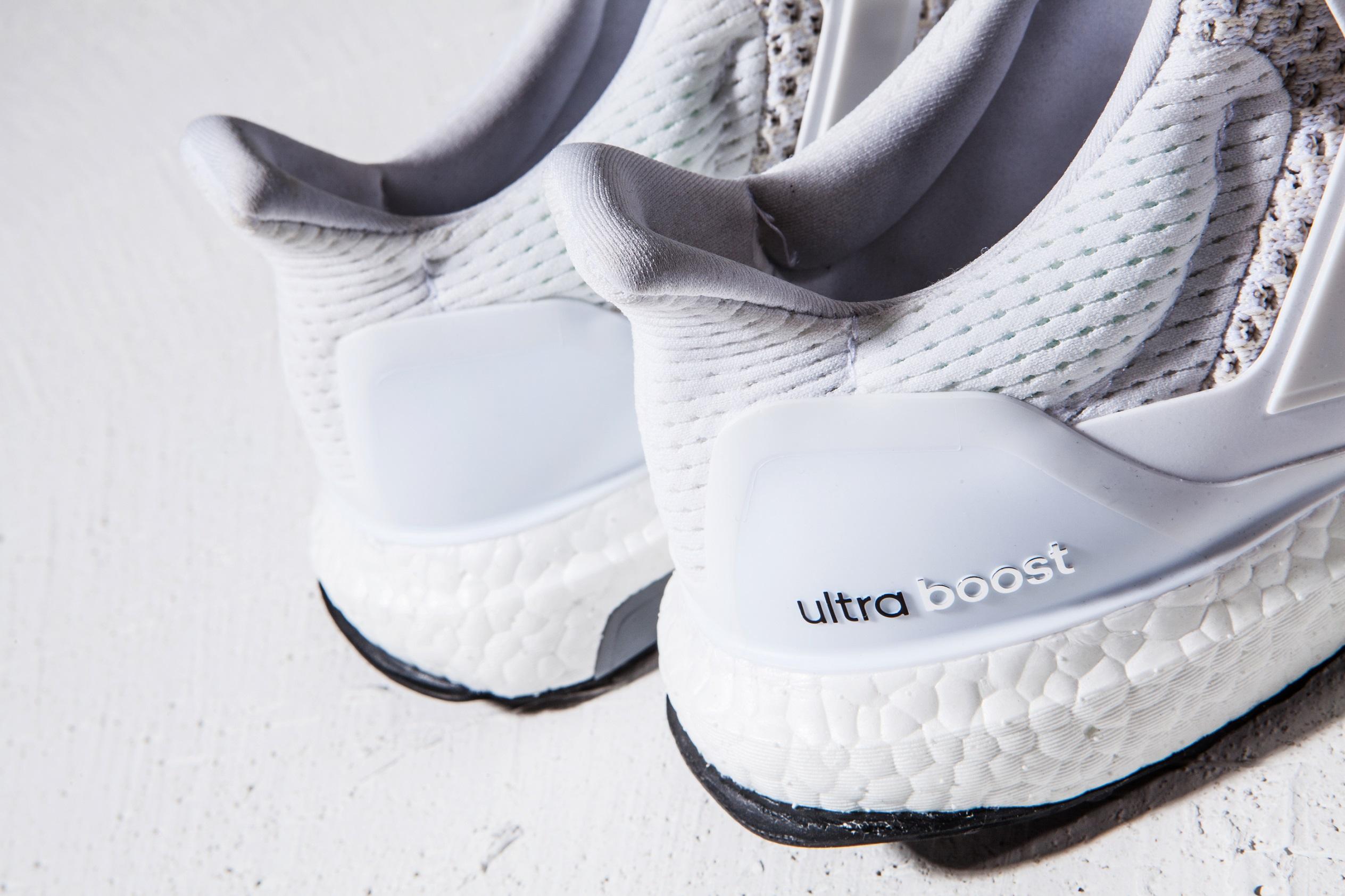 白色狂潮全面空降 Ultra Boost純白配色 11月28日正式登台-3