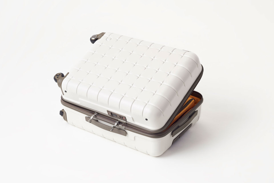 Nendo-Proteca-Suitcase-Collection-04-960x640