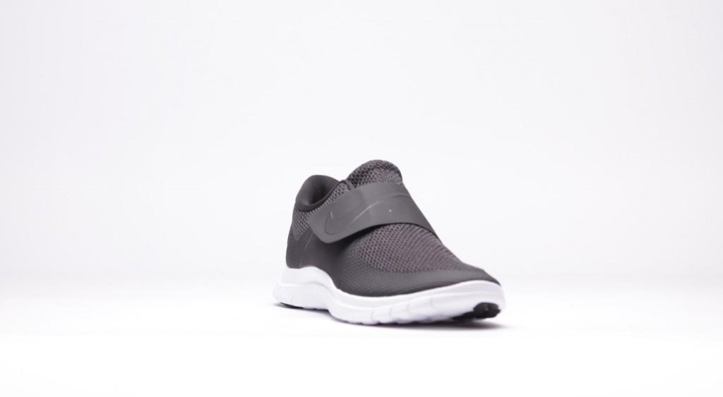 afew-store-sneaker-nike-free-socfly-black-black-white-vaporgreen-34