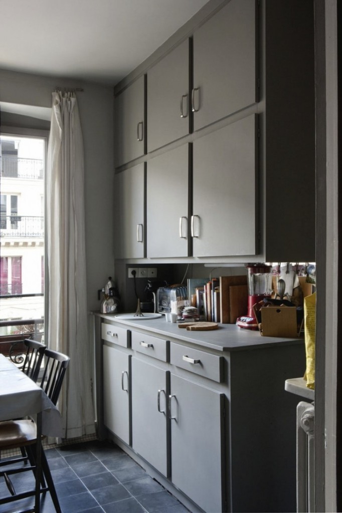 jacky-parker-paris-apartment-remodelista-26-733x1100