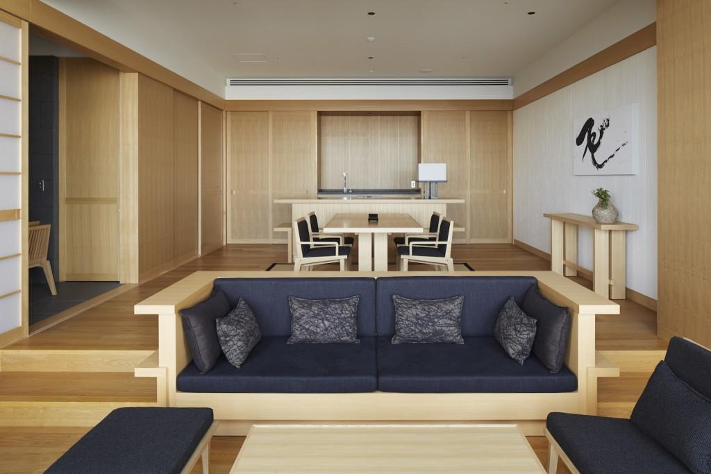 large_aman-tokyo-suite-livingroom