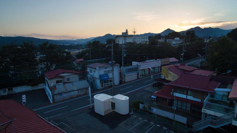 kubo-tsushima-architects-isemachi-public-toilet-japan-designboom-10