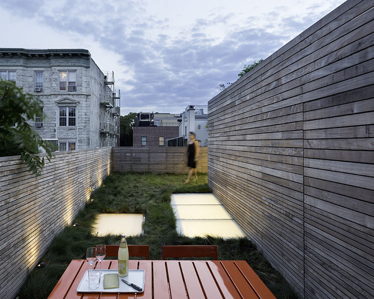 sooth_sayer-renovation-new-york-extended-content-roof-grass