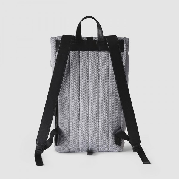 octovo-fabric-backpack-smoke-back