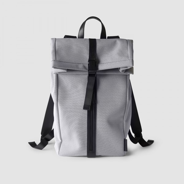 octovo-fabric-backpack-smoke-front