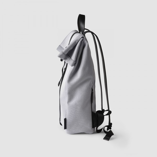 octovo-fabric-backpack-smoke-profile