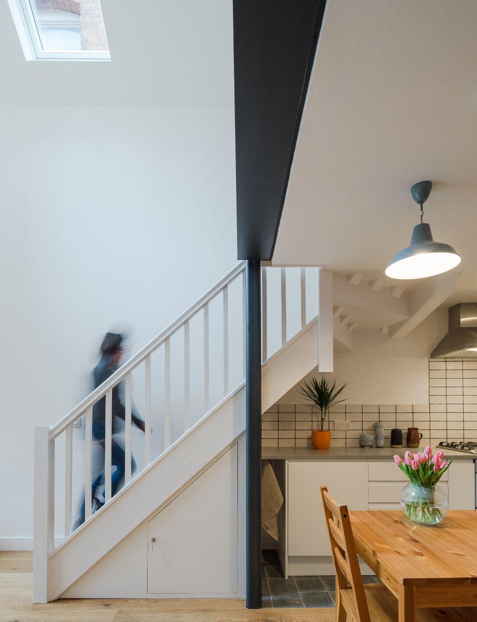 writers-coach-house-intervention-architecture-studio-renovation-moseley-birmingham-england_dezeen_936_10