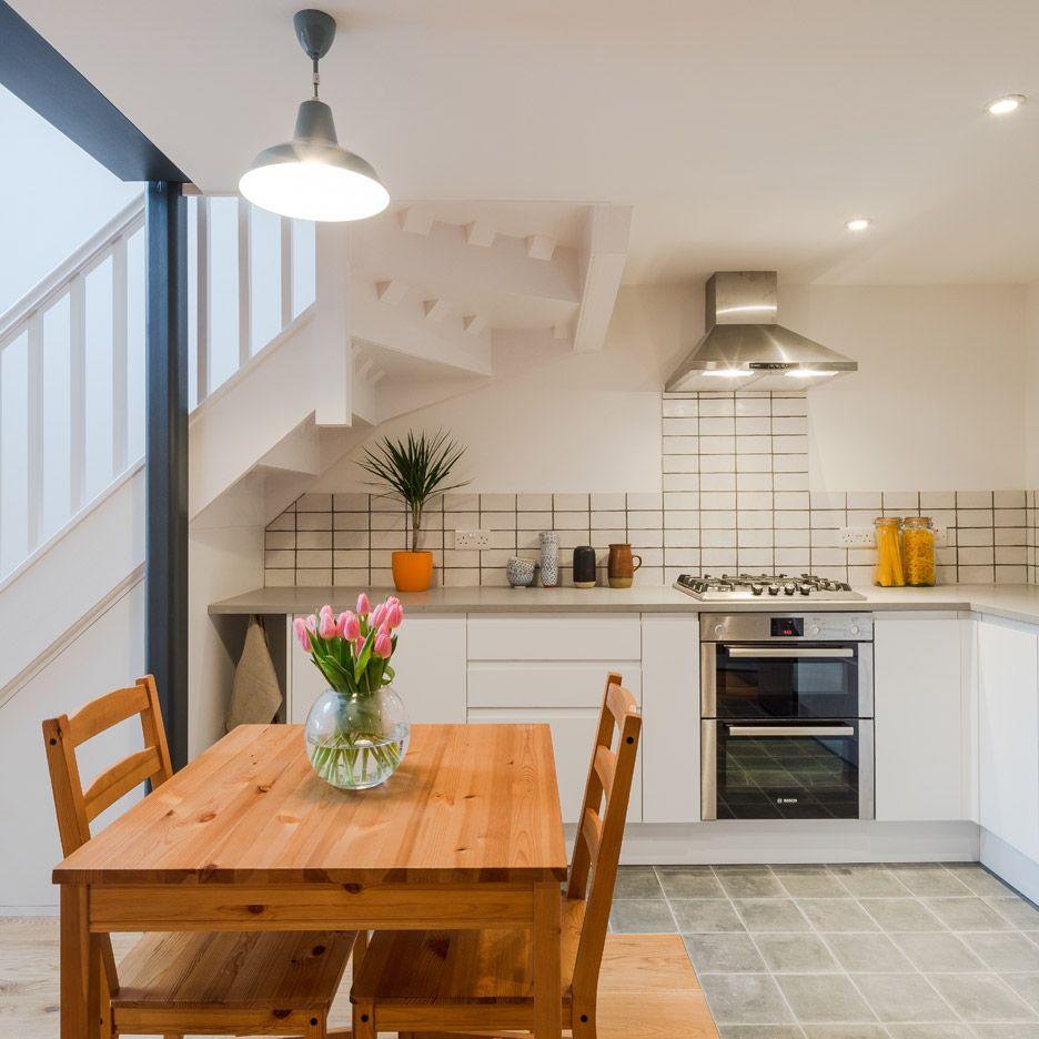writers-coach-house-intervention-architecture-studio-renovation-moseley-birmingham-england_dezeen_936_11