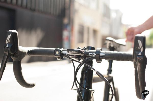 Knog-Oi-Bike-Bell-5-600x399