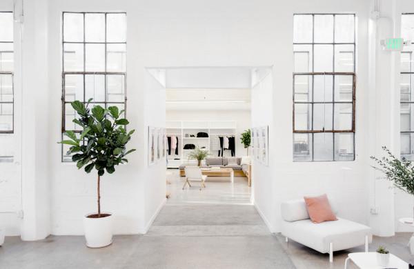 Everlane_Headquarters_Showroom-9-600x390