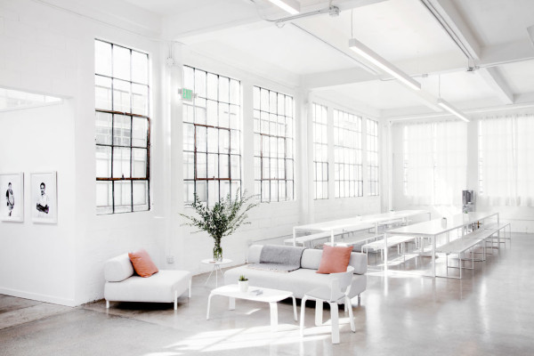 Everlane_Headquarters_Showroom-11-600x400