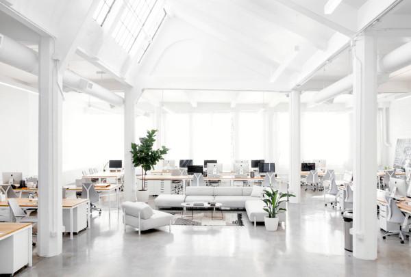 Everlane_Headquarters_Showroom-19-600x405