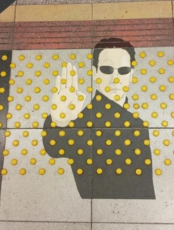 funny-vandalism-street-art-11-57037fb33613b__605