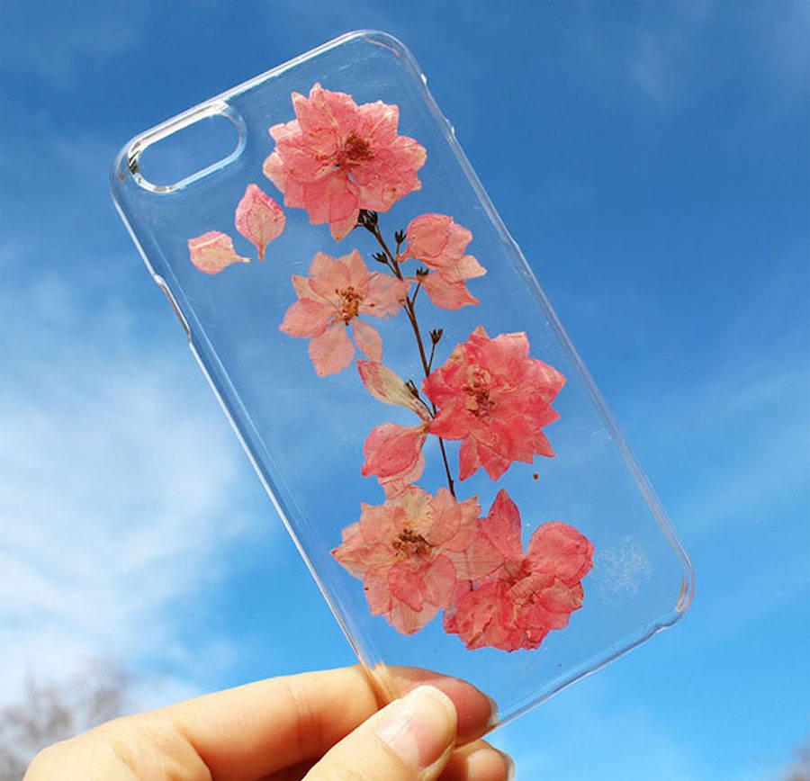 sweetphonecaseswithrealflowers-5-900x868